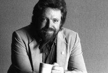5350 220x150 - John Perry Barlow: Can dream of open internet die with its institution father?